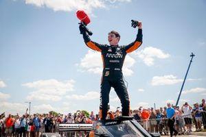 Racewinnaar Pato O'Ward, Arrow McLaren SP Chevrolet