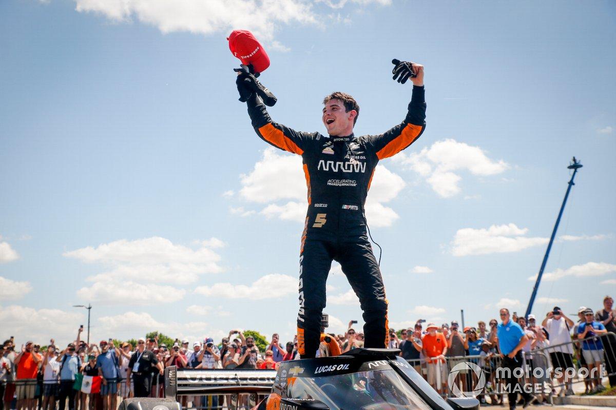 Ganado de la carrera Pato O'Ward, Arrow McLaren SP Chevrolet