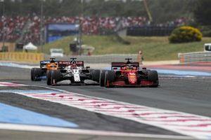 Charles Leclerc, Ferrari SF21, Kimi Raikkonen, Alfa Romeo Racing C41