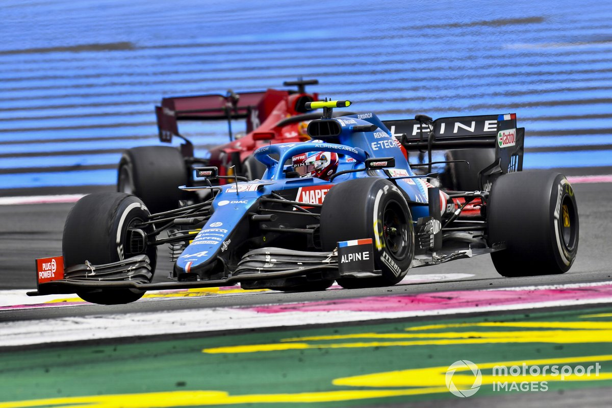 Esteban Ocon, Alpine A521, Charles Leclerc, Ferrari SF21