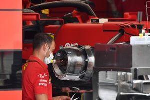 Ferrari SF21 front brake duct detail