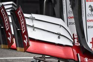 Gros plan sur un aileron avant d'Alfa Romeo Racing C41