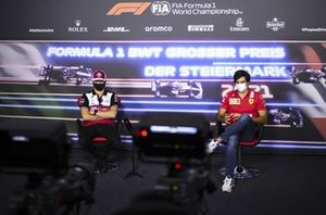 Kimi Raikkonen, Alfa Romeo Racing and Carlos Sainz Jr., Ferrari in the Press Conference
