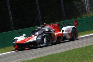 #8 Toyota Gazoo Racing Toyota GR010 - Hybrid: Sébastien Buemi, Kazuki Nakajima, Brendon Hartley