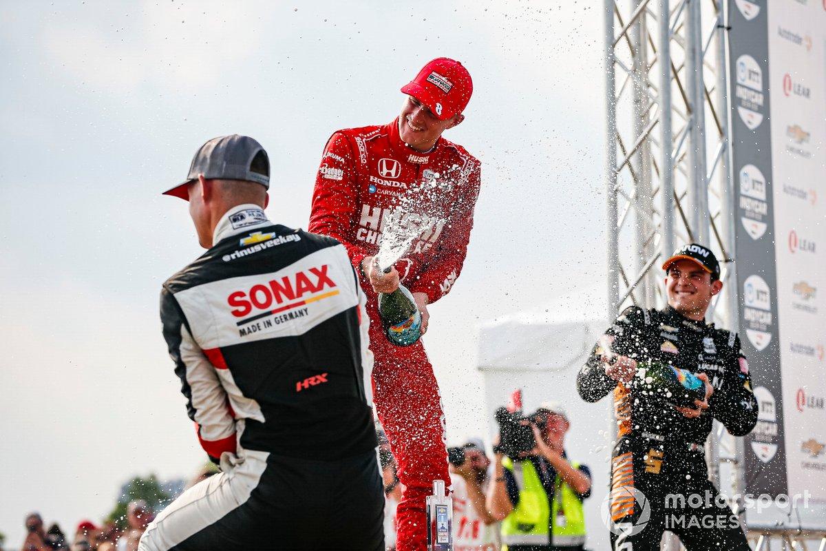 Podio: ganador Marcus Ericsson, Chip Ganassi Racing Honda, segundo lugar Rinus VeeKay, Ed Carpenter Racing Chevrolet, tercer lugar Patricio O'Ward, Arrow McLaren SP Chevrolet