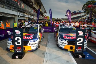 2. Jamie Whincup, Triple Eight Race Engineering Holden, 3. Shane van Gisbergen, Triple Eight Race Engineering Holden