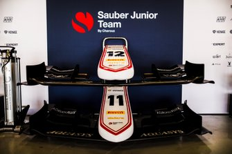 Front wings of Juan Manuel Correa, SAUBER JUNIOR TEAM BY CHAROUZ and Callum Ilott, SAUBER JUNIOR TEAM BY CHAROUZ