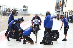Alex Lowes, Pata Yamaha wheel change