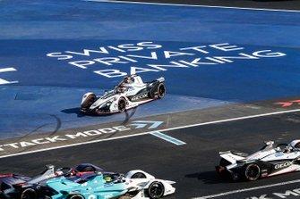 Felipe Nasr, Dragon Racing, Penske EV-3 spins off track