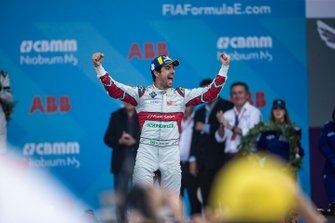 Race winner Lucas Di Grassi, Audi Sport ABT Schaeffler celebrates as he approaches the podium
