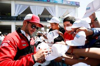 Daniel Abt, Audi Sport ABT Schaeffler signs autographs for fans