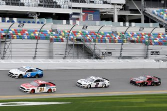 Clint Bowyer, Stewart-Haas Racing, Ford Mustang Rush Truck Centers/Mobil 1, Paul Menard, Wood Brothers Racing Ford