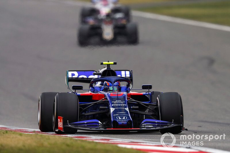 Albon celebrates pitlane-to-points drive