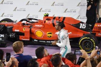 Lewis Hamilton, Mercedes AMG F1, vainqueur, dans le parc fermé