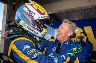 Pole Mark Winterbottom, Team 18 ve Charlie Schwerkolt