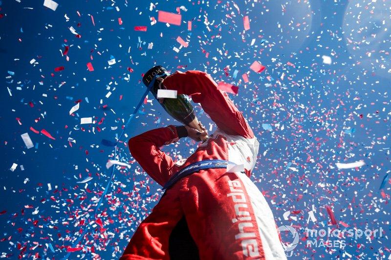 Pascal Wehrlein, Mahindra Racing, celebra