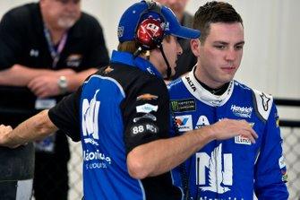 Alex Bowman, Hendrick Motorsports, mit Greg Ives