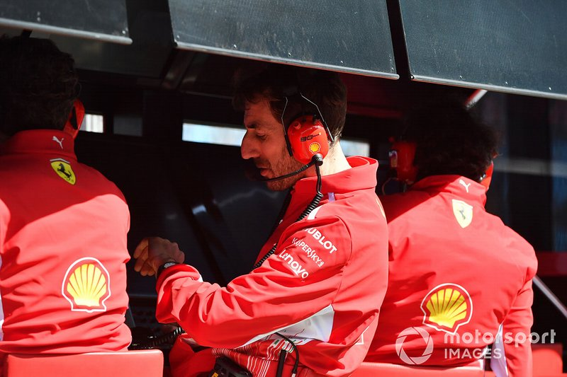 Ferrari management on the pit wall