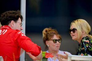 Руководитель команды Ferrari Маттиа Бинотто и Коринна Шумахер