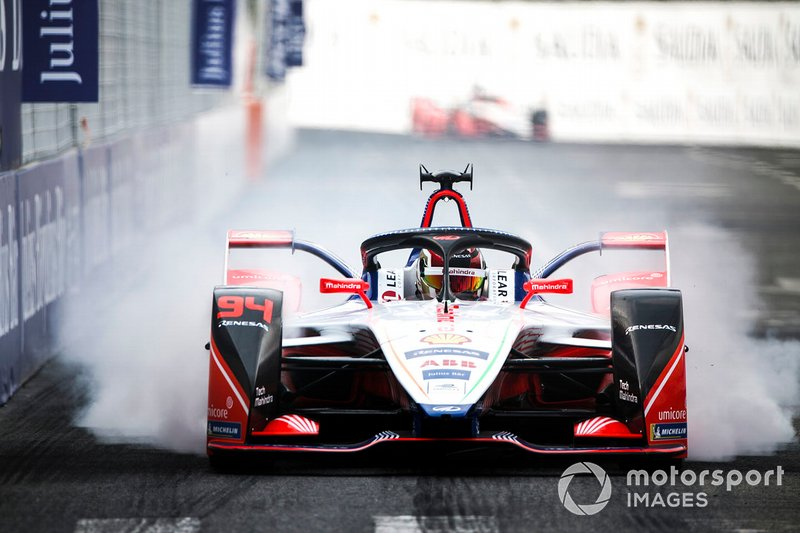Pascal Wehrlein, Mahindra Racing, M5 Electro. locks up