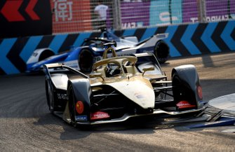 Andre Lotterer, DS TECHEETAH, DS E-Tense FE19, ahead of Antonio Felix da Costa, BMW I Andretti Motorsports, BMW iFE.18