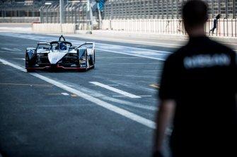 Sébastien Buemi, Nissan e.Dam, Nissan IMO1, returns to the pits
