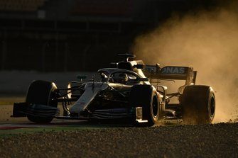 Lewis Hamilton, Mercedes-AMG F1 W10 EQ Power+ runs wide
