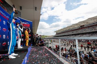 Colton Herta, Harding Steinbrenner Racing Honda, Josef Newgarden, Team Penske Chevrolet, Ryan Hunter-Reay, Andretti Autosport Honda celebrate on the podium