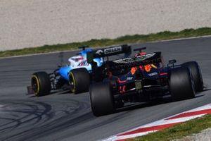 Max Verstappen, Red Bull Racing RB15 follows Robert Kubica, Williams FW42