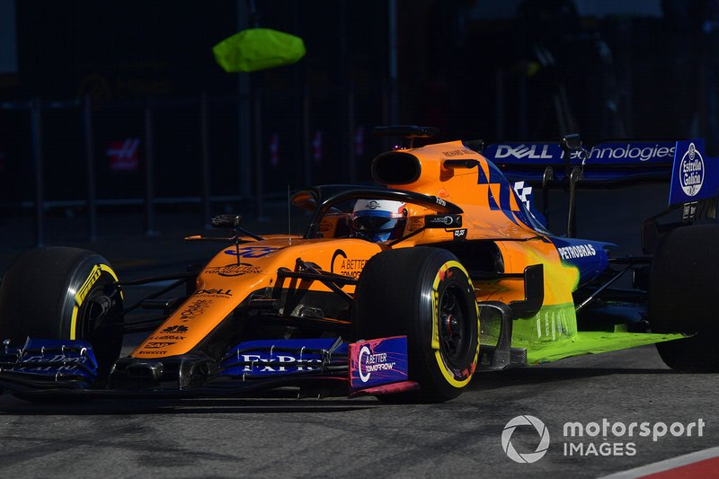Carlos Sainz Jr., McLaren MCL34, con la vernice aerodinamica