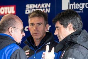 Eric De Seynes, le président de Yamaha Europe, Paul Denning, et Gregorio Lavilla