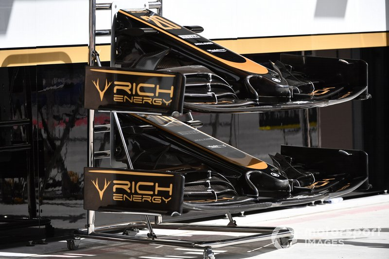 Haas F1 Team VF-19 front wing