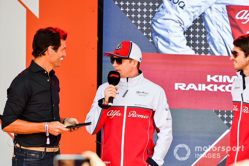 Mark Webber e Kimi Raikkonen, Alfa Romeo Racing, all'evento a Federation Square