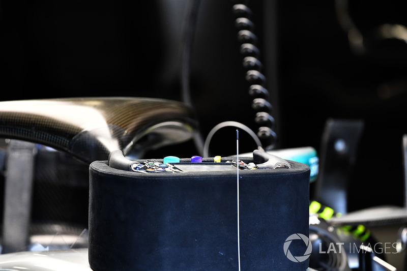 Mercedes-AMG F1 W09 EQ Power steering wheel