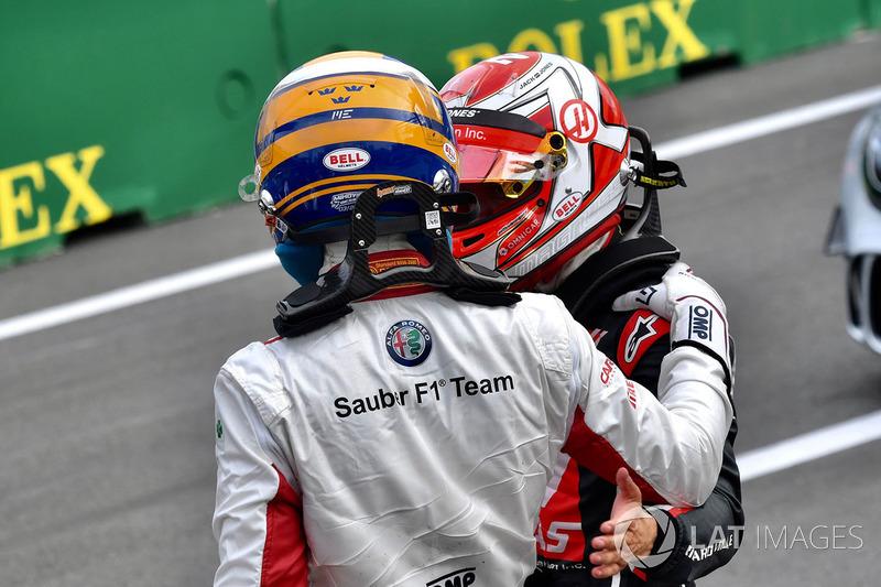 Marcus Ericsson, Sauber, Kevin Magnussen, Haas F1