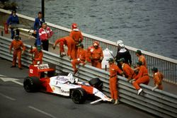 Ayrton Senna, McLaren MP4/4 crash