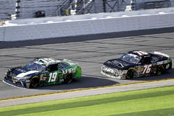 Brandon Jones, Joe Gibbs Racing, Juniper Toyota Camry e Spencer Boyd, SS-Green Light Racing, Grunt S