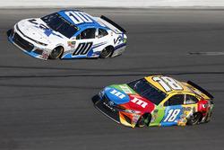 Kyle Busch, Joe Gibbs Racing Toyota Jeffrey Earnhardt, StarCom Racing Chevrolet Camaro
