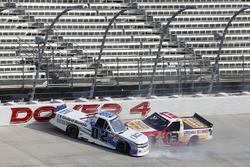 Austin Hill, Young's Motorsports, Chevrolet Silverado United Rentals, Myatt Snider, ThorSport Racing, Ford F-150 Louisiana Hot Sauce crash