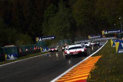 #8 Toyota Gazoo Racing Toyota TS050: Sébastien Buemi, Kazuki Nakajima, Fernando Alonso, run wide