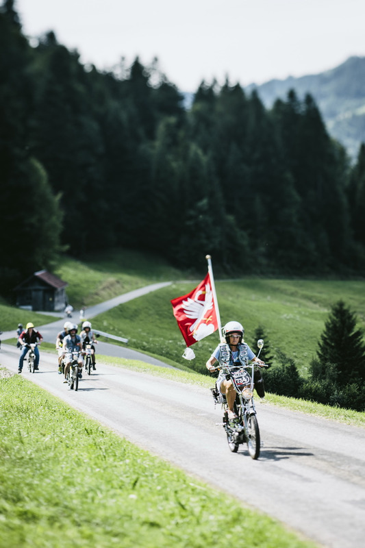 Partecipanti alla Red Bull Alpenbrevet