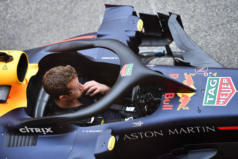 Автомобиль Red Bull Racing RB14