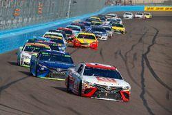 Matt Kenseth, Joe Gibbs Racing Toyota and Martin Truex Jr., Furniture Row Racing Toyota