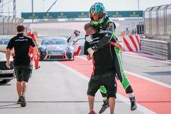 توم أوليفانت يفوز بسباق البحرين الثاني