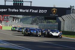#101 Prestige Performance: Trent Hindman, Riccardo Agostini, #134 Change Racing: Jeroen Mul