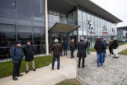 PSA entrada del edificio de la fábrica