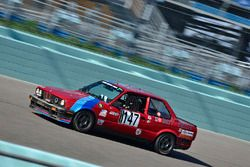 #147 MP3B BMW 325i, Gilberto Pinzon, Javier Pinzon, William Corredor, Carlos Corridor, Bucket List Racing