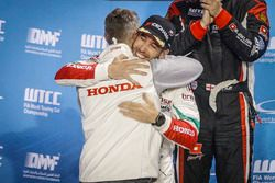 Podio: Esteban Guerrieri, Honda Racing Team JAS, Honda Civic WTCC con Tiago Monteiro, Honda Racing T