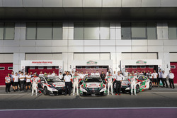 Teamfoto met Norbert Michelisz, Honda Racing Team JAS, Honda Civic WTCC, Ryo Michigami, Honda Racing