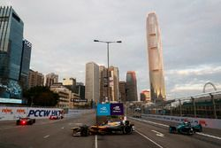 Jean-Eric Vergne, Techeetah, leads Luca Filippi, NIO Formula E Team